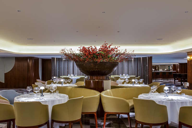 Qe2 The Historic Queens Grill Relaunches Dubai Dining Nightlife Middle East
